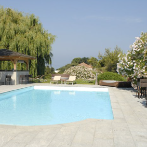 Rivestimento piscina in marmo Pilgran
