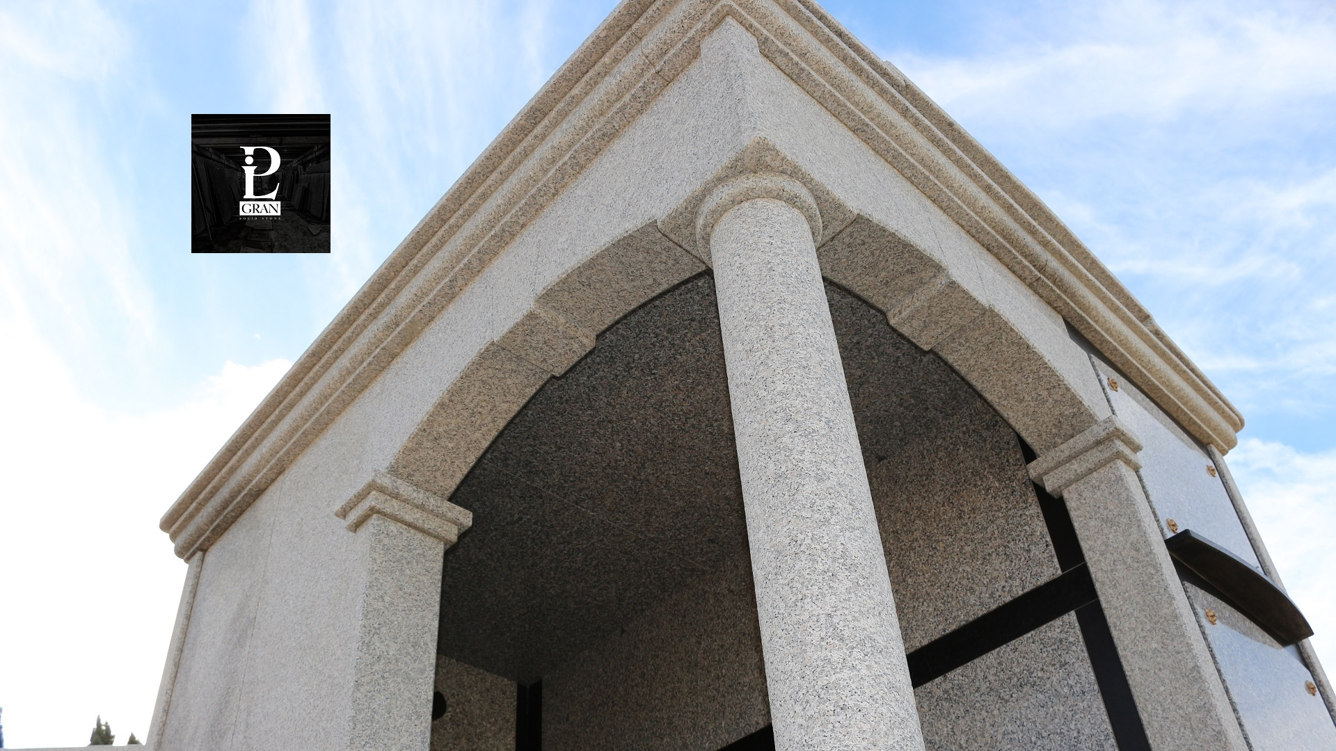Arte funeraria in granito sardo - Pilgran