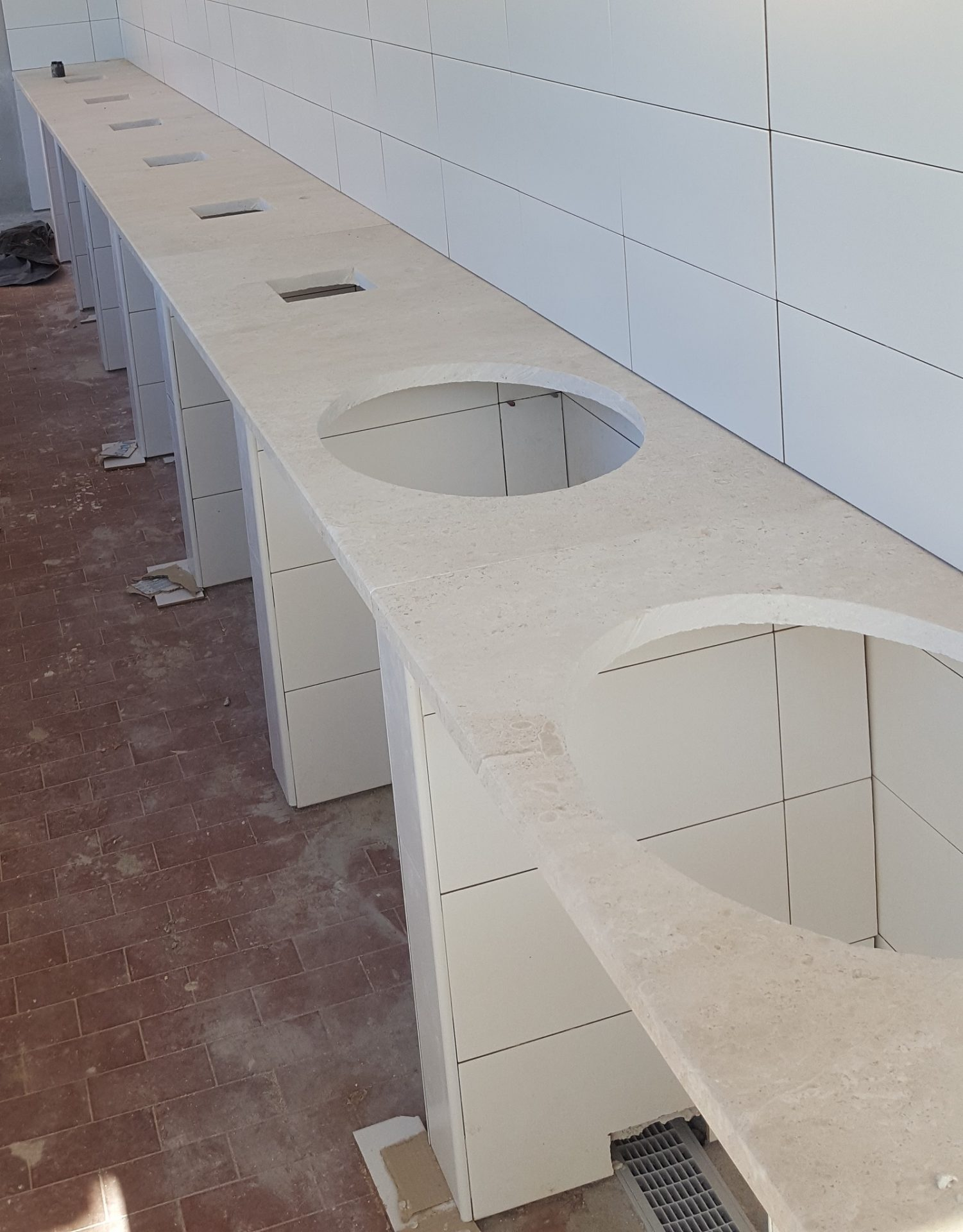 Bagni in serie in marmo P.I.L.Gran.