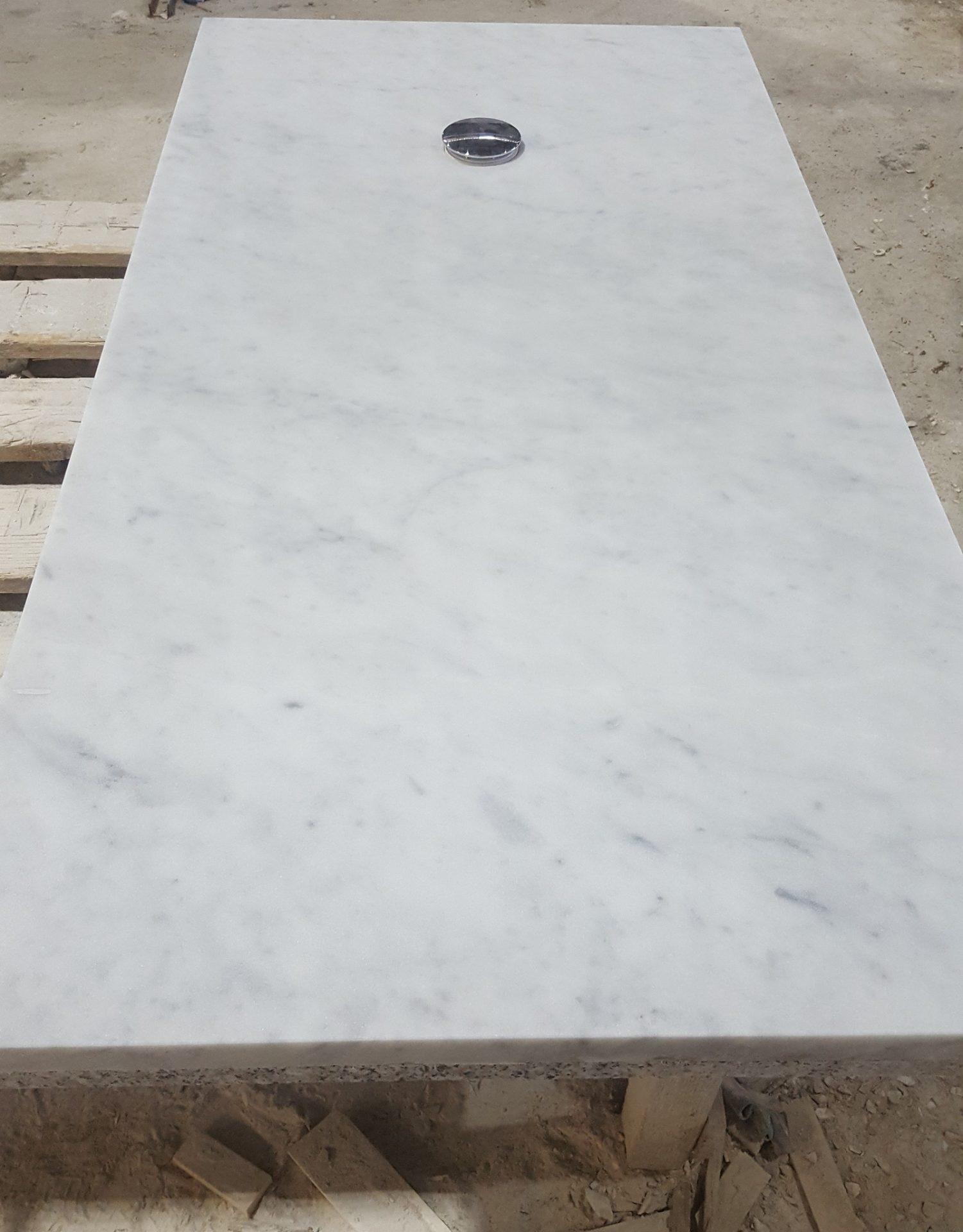 Marmo bianco per arredo bagno PIL-GRAN-Sardegna